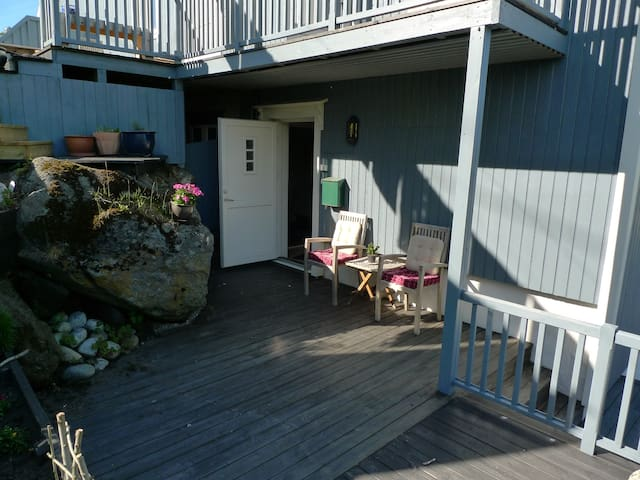 Koselig leilighet i hyggelig hus i Stamsund - Stamsund - Byt