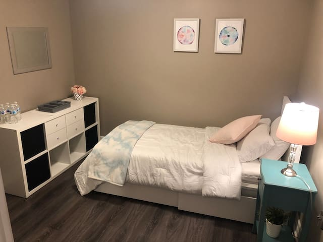 Beautiful Bedroom & Washroom suite-For Women Only