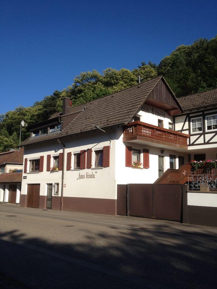 FeWo am Waldrand im Dornröschen-Dorf Dörrenbach