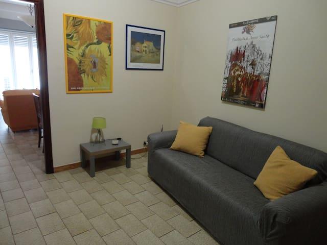 Spazio e comfort al centro della Sicilia - Caltagirone - Pis