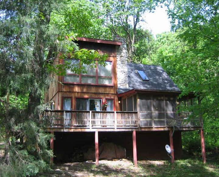 Hot Tub Heaven #5 - Cabins for Rent in Front Royal, Virginia, United States""