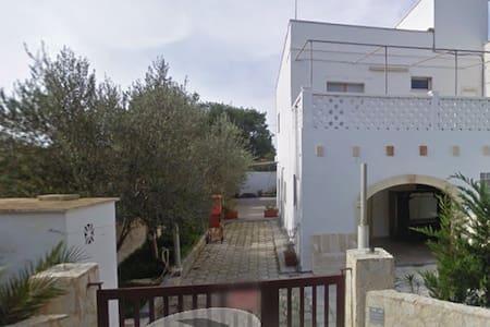 Splendida villetta nel Salento, 30 metri dal mare - Campomarino
