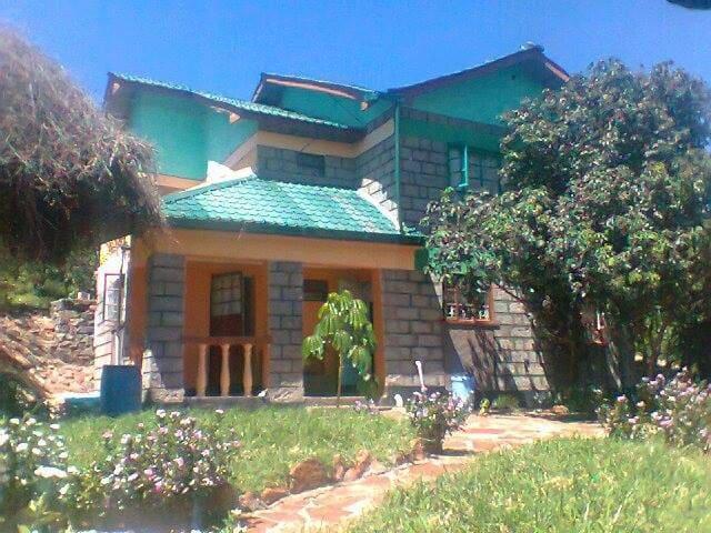 Mara bush house cottages - Narok - House