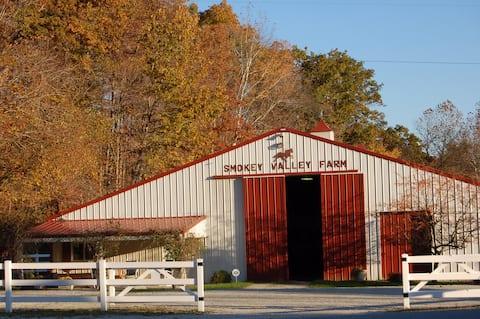 Smokey Valley Farm Barn Apartment