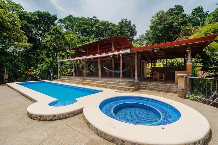 Home 10 min from beach ideal Yoga Retreat W/ Pool