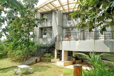 Magnum - 4 Bed Pool Villa in Karjat - Villa