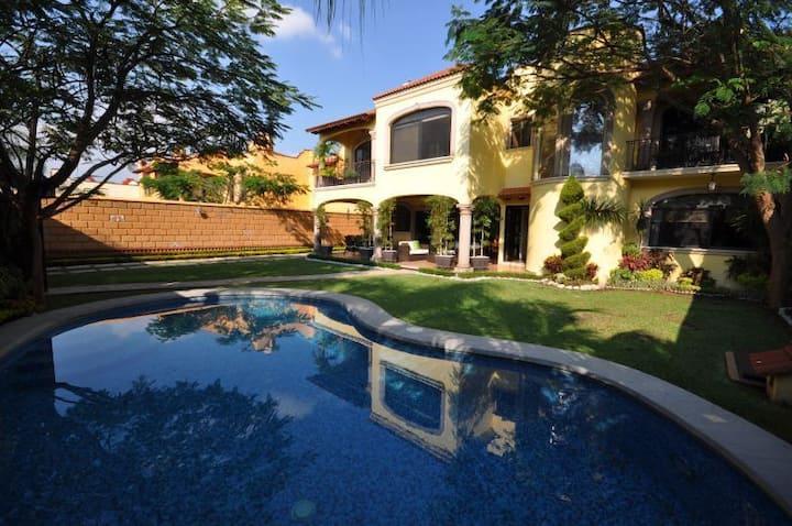 Hermosa Casa de lujo, Lomas de Cuernavaca