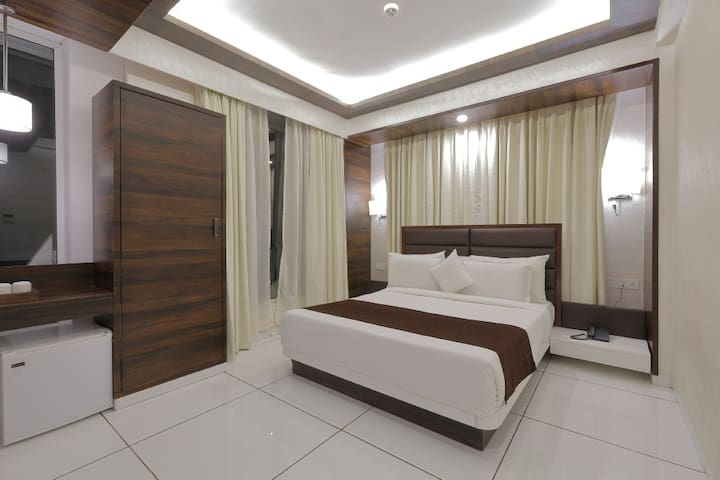 Corporate Accomodation in Navrangpura