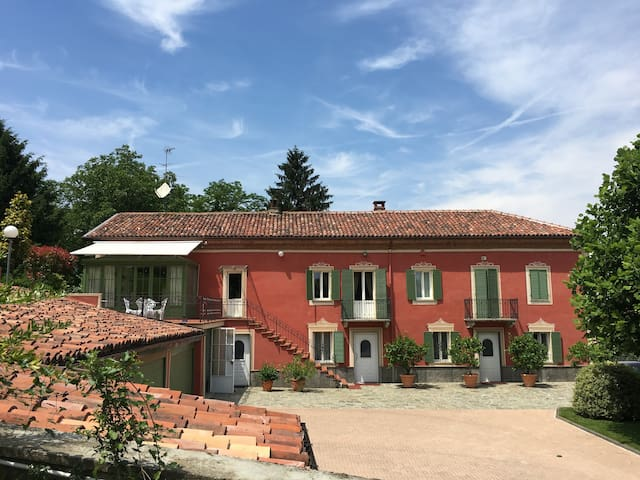 Beautiful Italian Villa with swimming pool - Asti - Casa de camp