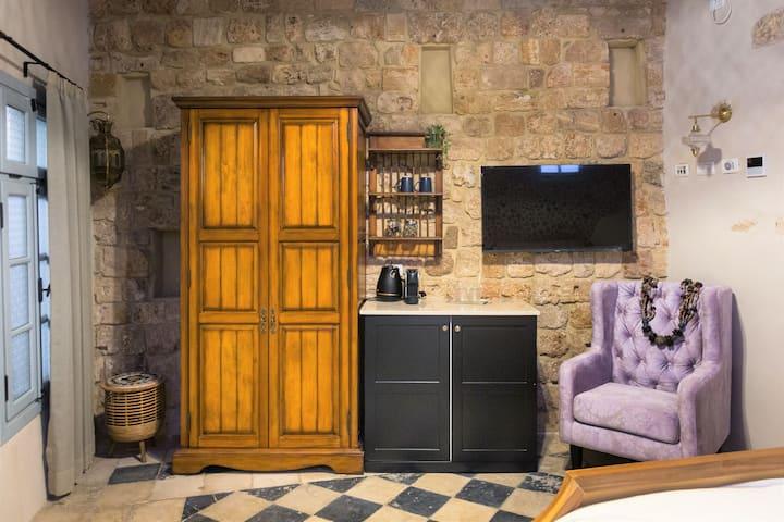 וילה סרא(3)- חדר לופט במלון בוטיק בעיצוב עתיק