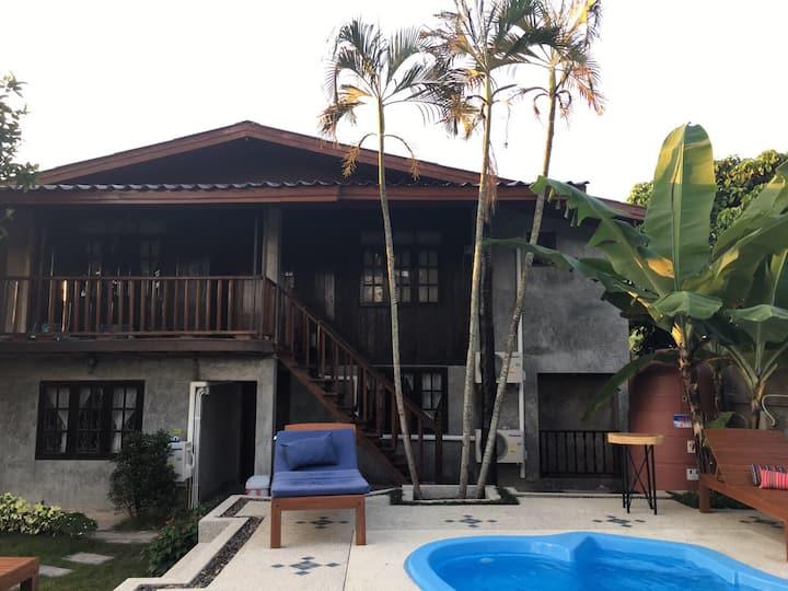 Bed&Breakfast+spa pool+free moto w/private bath