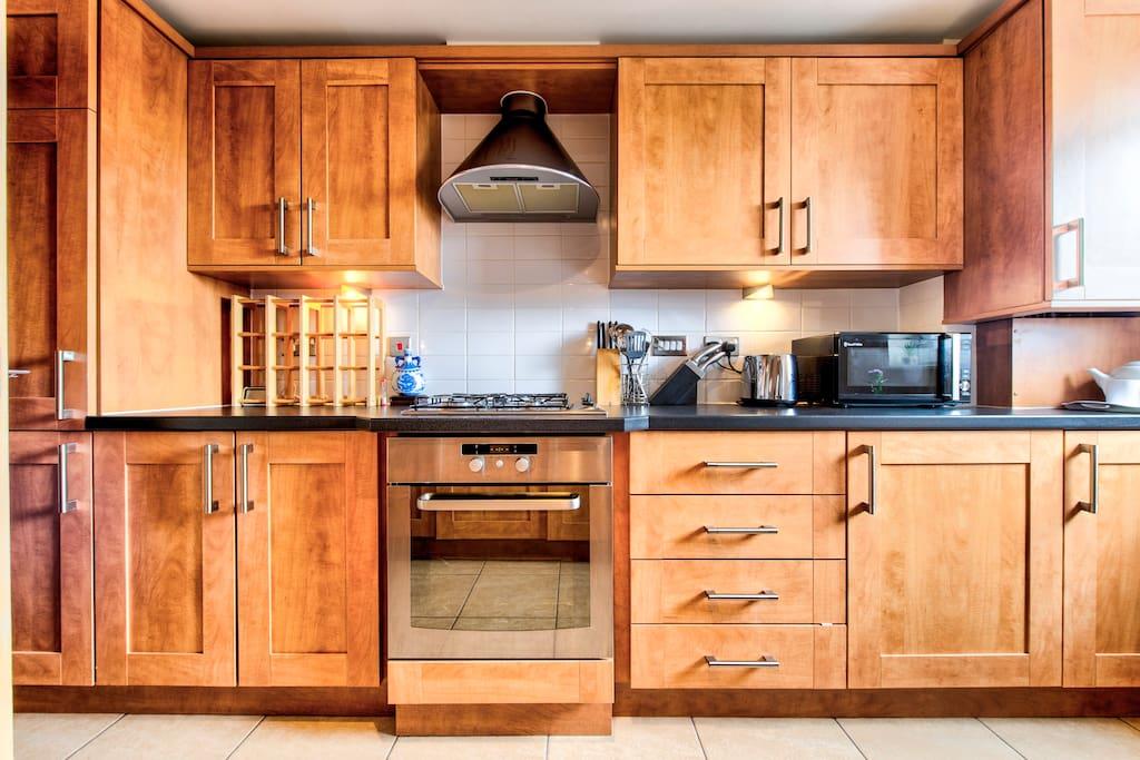 Modern kitchen, with washing machine & dishwasher