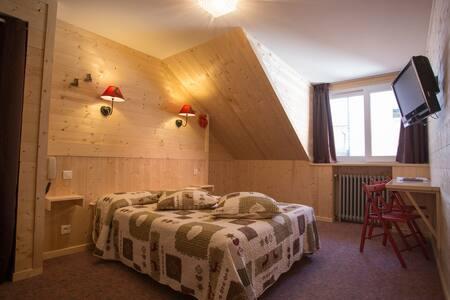 Chambre dans Hôtel Asterides Sacca - Cauterets