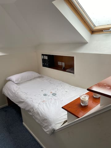 Single bedroom available for females only