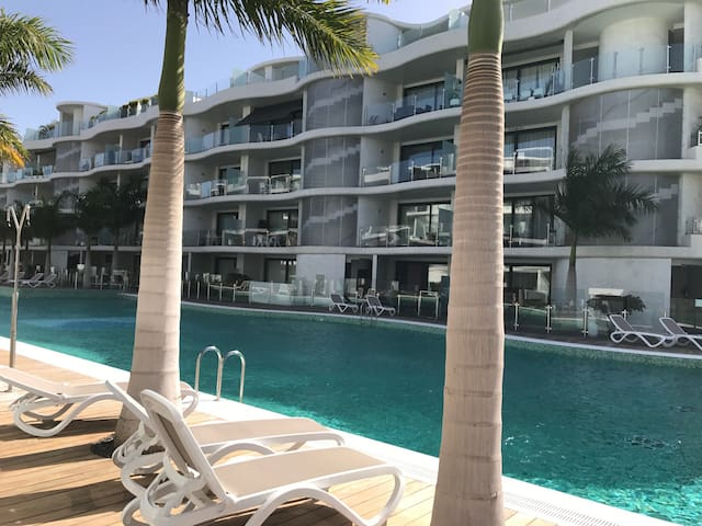 Luxury house in Los Cristianos/Palm Mar with pool. - Palm-Mar - House