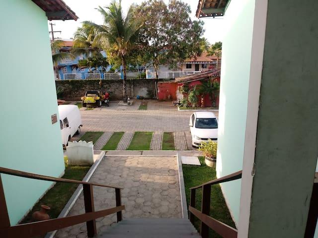 Foto de parte do estacionamento tirada do primeiro andar