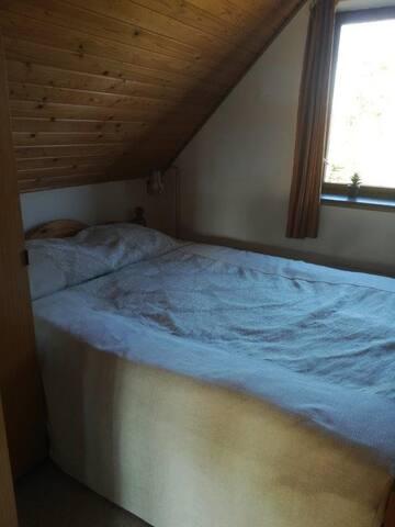 Værelset med dobbelt seng.
