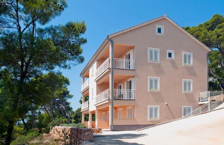 Apartment Ana, Apartments Krišto - Sveta Nedilja - Apartmen