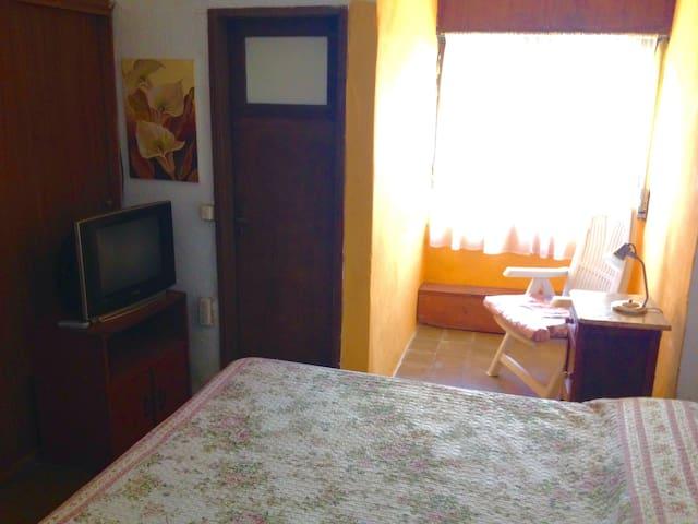 Habitaciones con baño privado en suite.