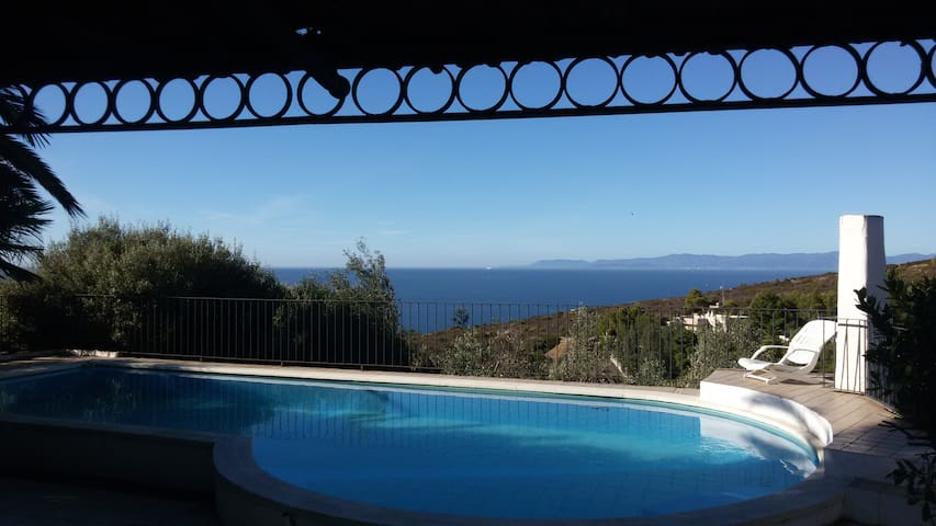Villa panoramica con piscina privat - Quartu Sant'Elena - Dom