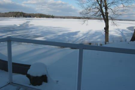 Thompson Cottages - Cottage #2  - Moira Lake - Madoc - Blockhütte