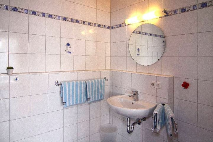 Ferienwohnungen Rist, (Immenstaad am Bodensee), Ferienwohnung Nr. 2, Typ C, 3-Zimmer-Fewo, 55 qm