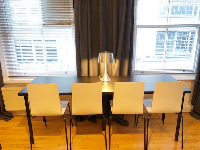 WDR-8 - NEW Soho Studio Apartment
