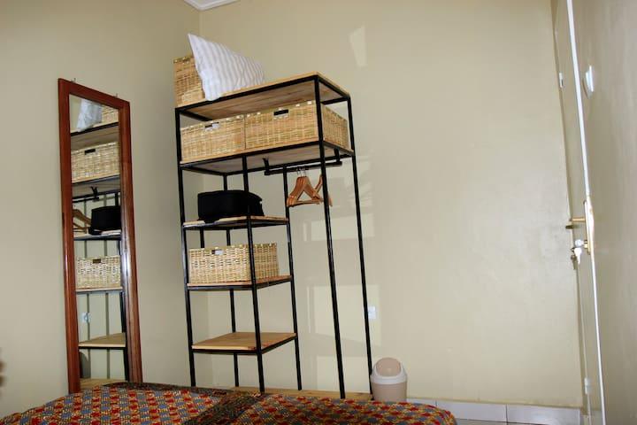 Amasimbi Apartment - 5 mins to Airport