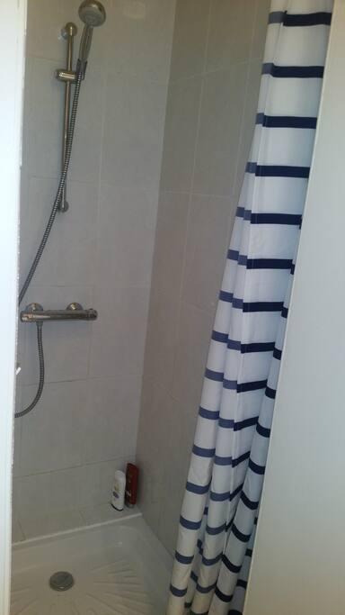 Salle de bain photo 2/2