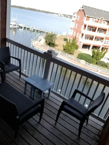 OBX Marina Living Perfect for Family of 4!