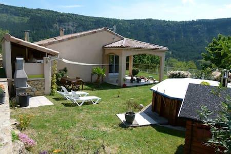 Maison Sud Ardèche - vesseaux   vesseaux - Hus