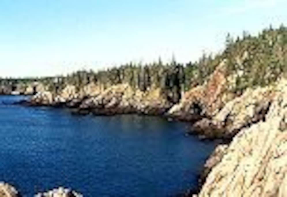 Coastal hike just minutes from the cottage