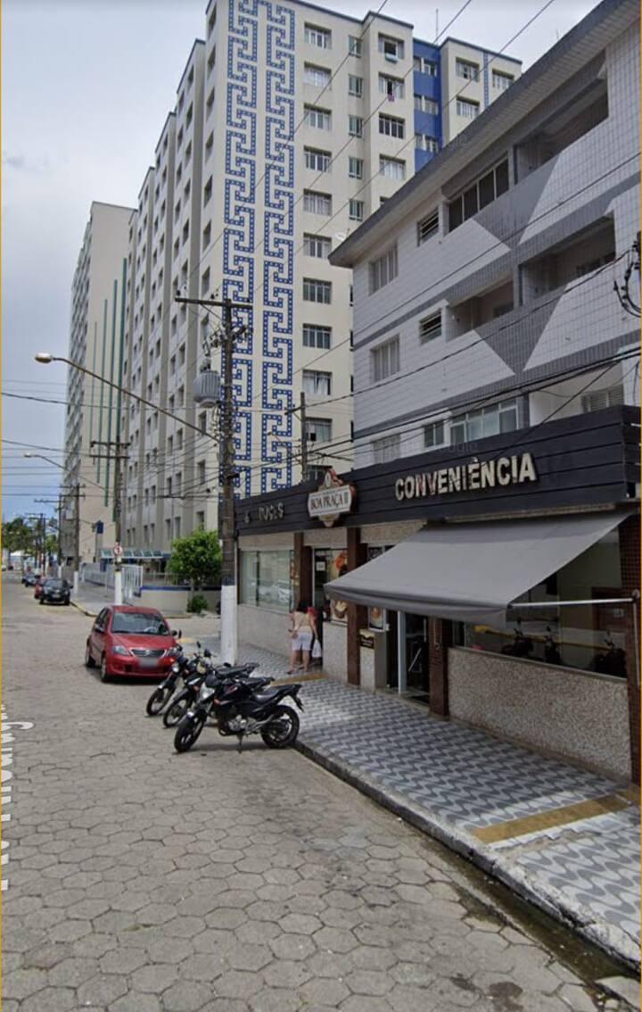 Apartamento a 100m da praia na Vila Guilhermina