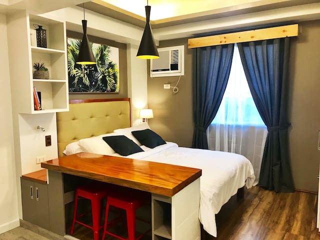 Studio Type Condo Unit Across Ayala Mall