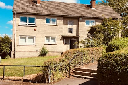 Edinburgh flat, perfect for town and country