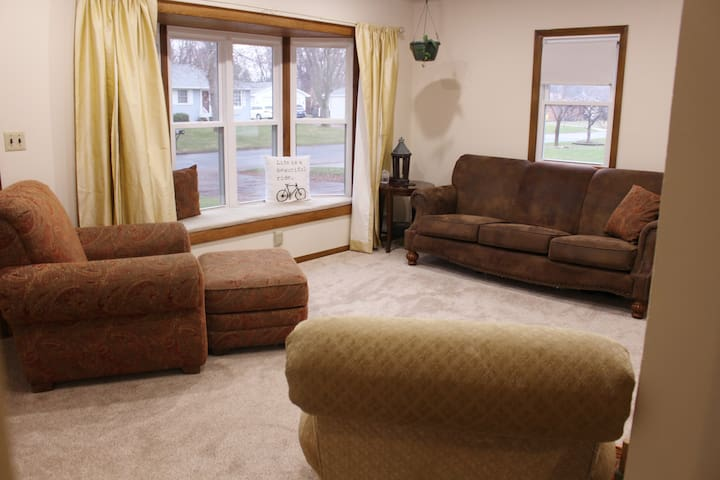 Superbowl LII Rental in Beautiful Suburban Area - Shoreview - House