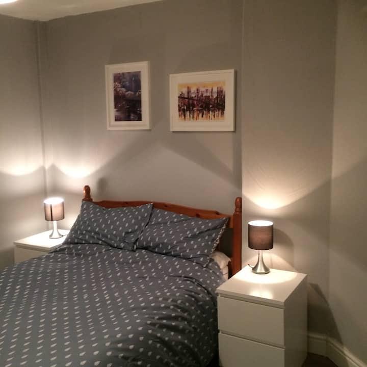 Comfortable double room nr Glasgow