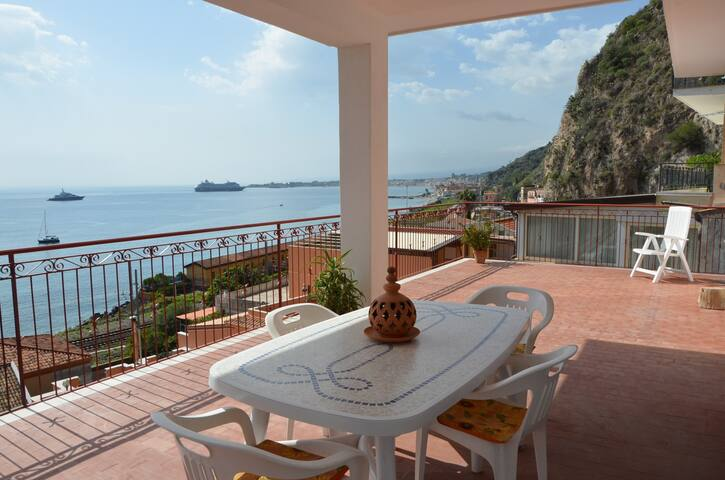 Appartamento terrazza panoramica a Taormina mare - Villagonia - Apartment