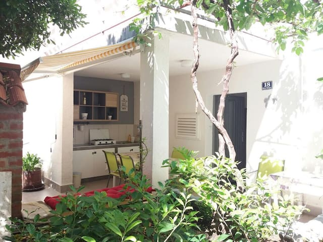 Holiday home with Private Garden and Grill -Center