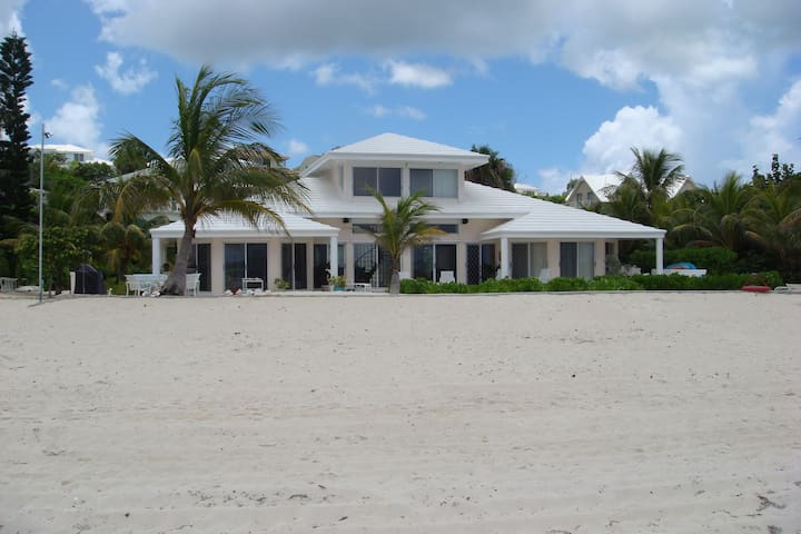 Luxury Oceanfront Home - Nassau - Ház
