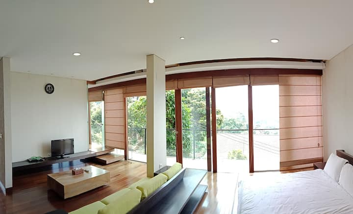 Family Room with a view at Dago Pakar
