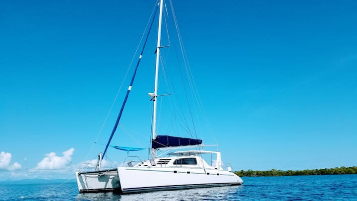 Sail Belize on Palometa, a 47 ft Leopard Catamaran