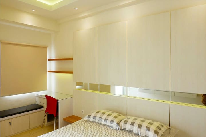 Comfy Studio Apartment for 2 in West Surabaya