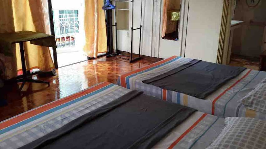 Town - Fully Furnished Condo (New CR, Furnitures)