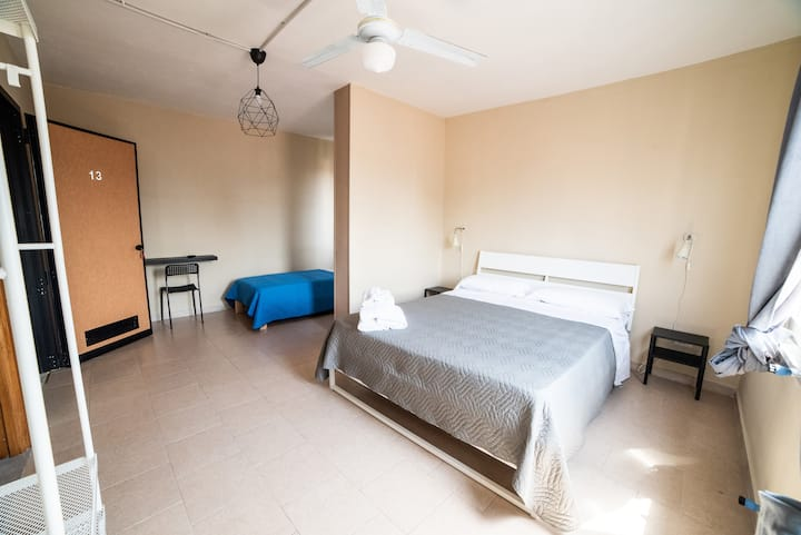 Deluxe triple room with view