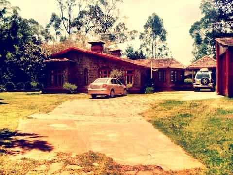 Corona Safe: Avondale - Beautiful Heritage Home