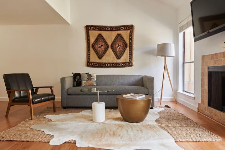 Sonder | Bouldin Townhouse | Ideal 2BR + Patio