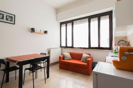 Grazioso monolocale in Centro - Milão