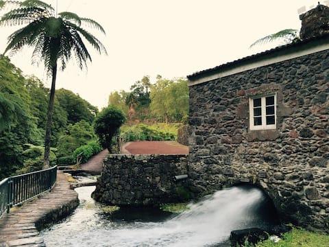 Ribeira dos Caldeirões -自然公園の家