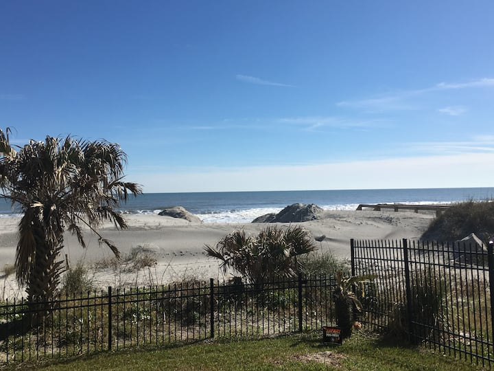 Beach Haven-new/fully renovated/oceanfront